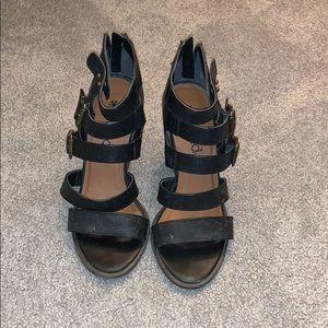 MUDD heels.